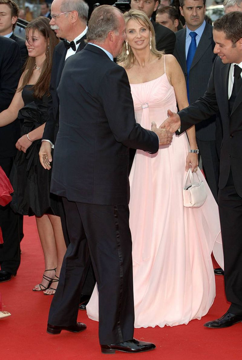 2006年,卡洛斯国王和赛恩-维特根斯泰因在巴塞罗那一个颁奖仪式上
