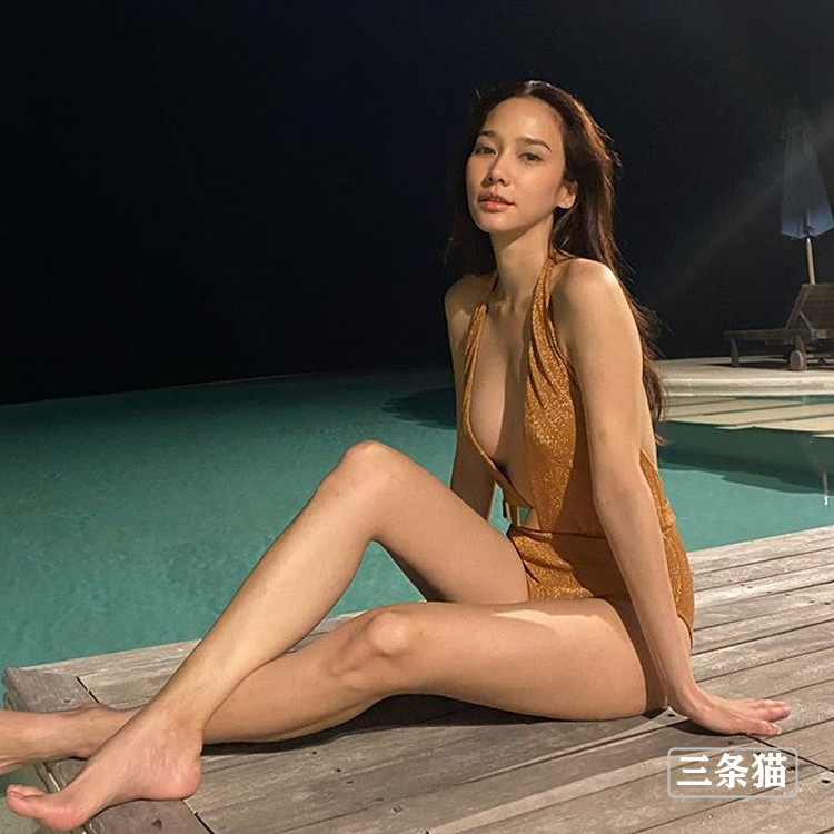 吴清雅(娜塔丽雅)近况曝光,长腿美胸吸粉无数 作品推荐 第5张