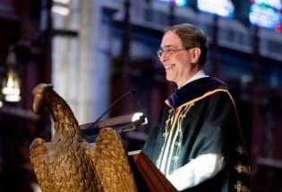 普林斯顿大学校长:我们都是脆弱、有缺陷的,但我们都可以触及星空