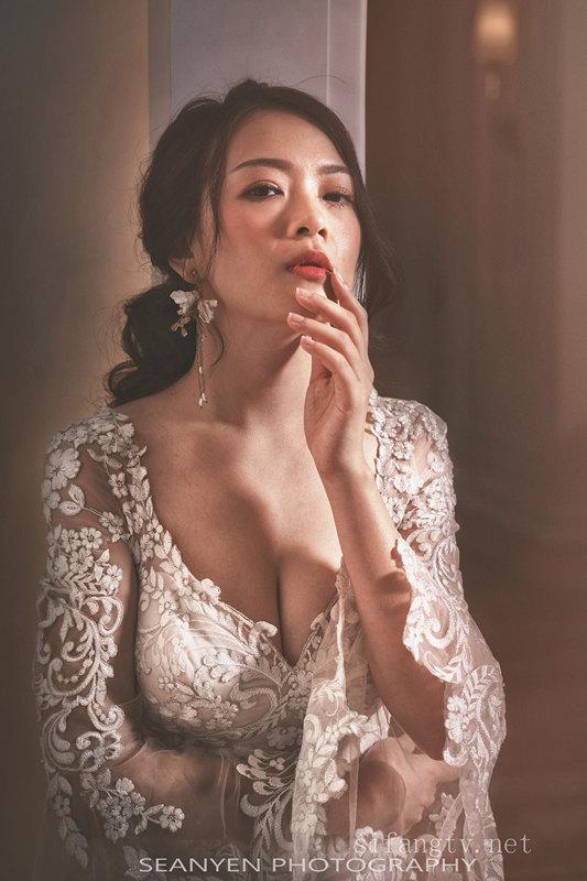新娘伴娘私房照外泄 超有气质超性感的白领伴娘私房写真[406P/393M]