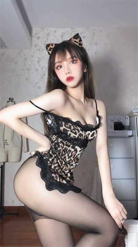 ⭐微博红人⭐果咩酱w – NO.007 豹女姐姐[25P-140MB]