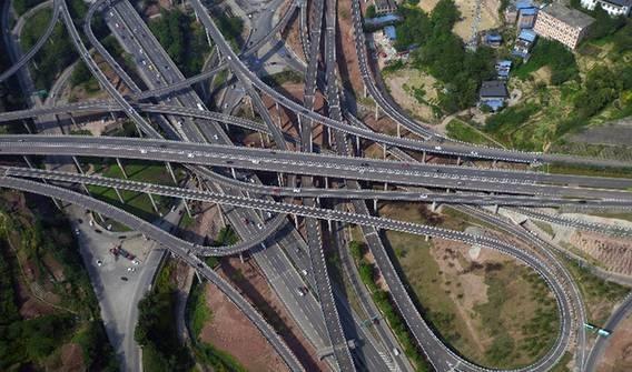 彻底避免走错岔路!高德地图车道级定位支持增至5个城市