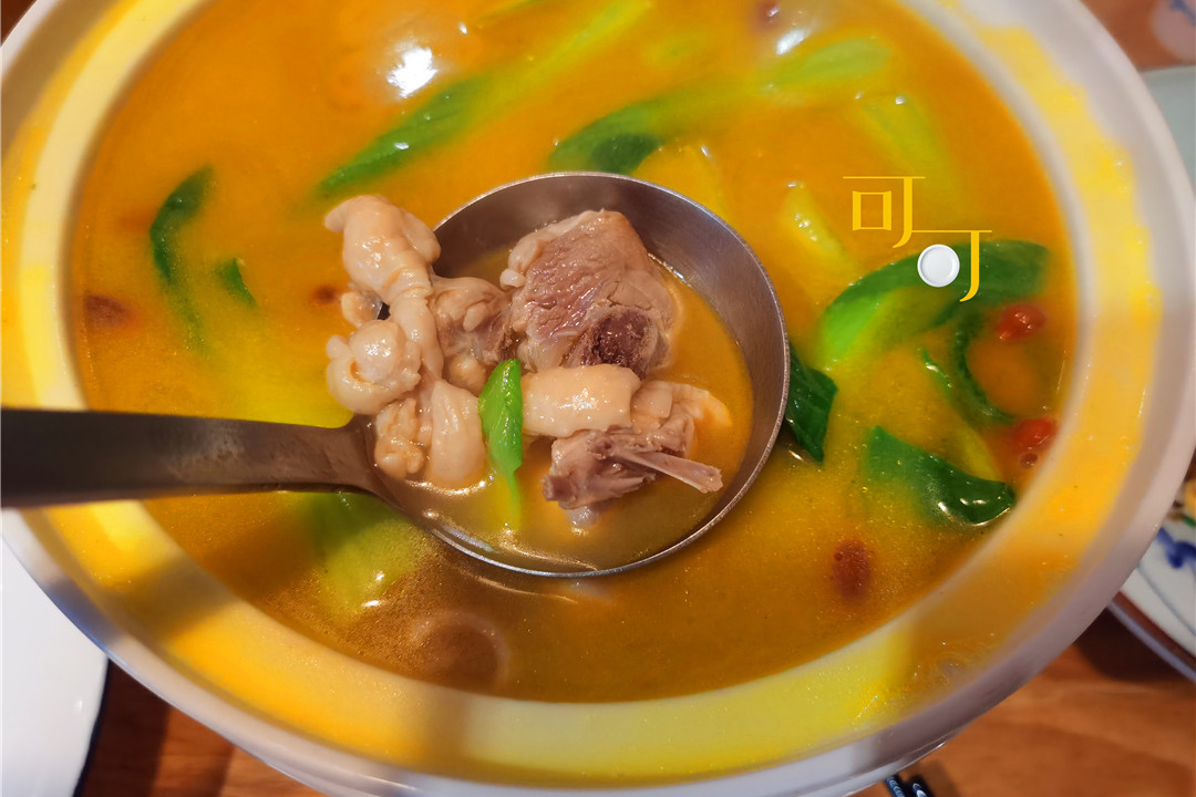 下班后两个人去吃一顿衢州菜,人均70,点了三个菜一个都不辣