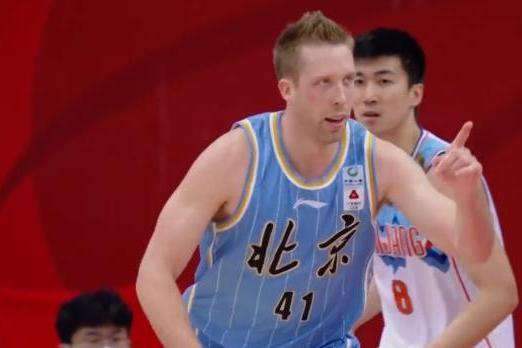 从18分惨败新疆队到16分大胜,北京队进行了哪些调整?