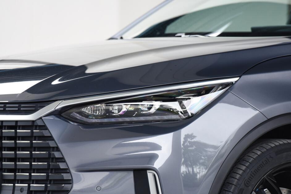 """国产车中的""""黑马"""",中型SUV只需23.68W,还看啥合资"""