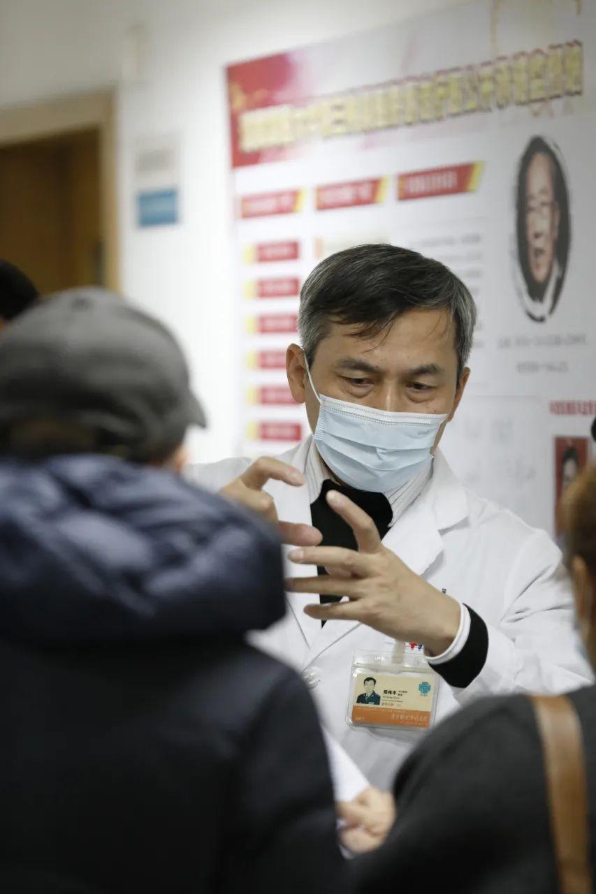 上海第二军医大学附属东方肝胆外科医院周伟平:医生的使命,是为了患者迎难而上