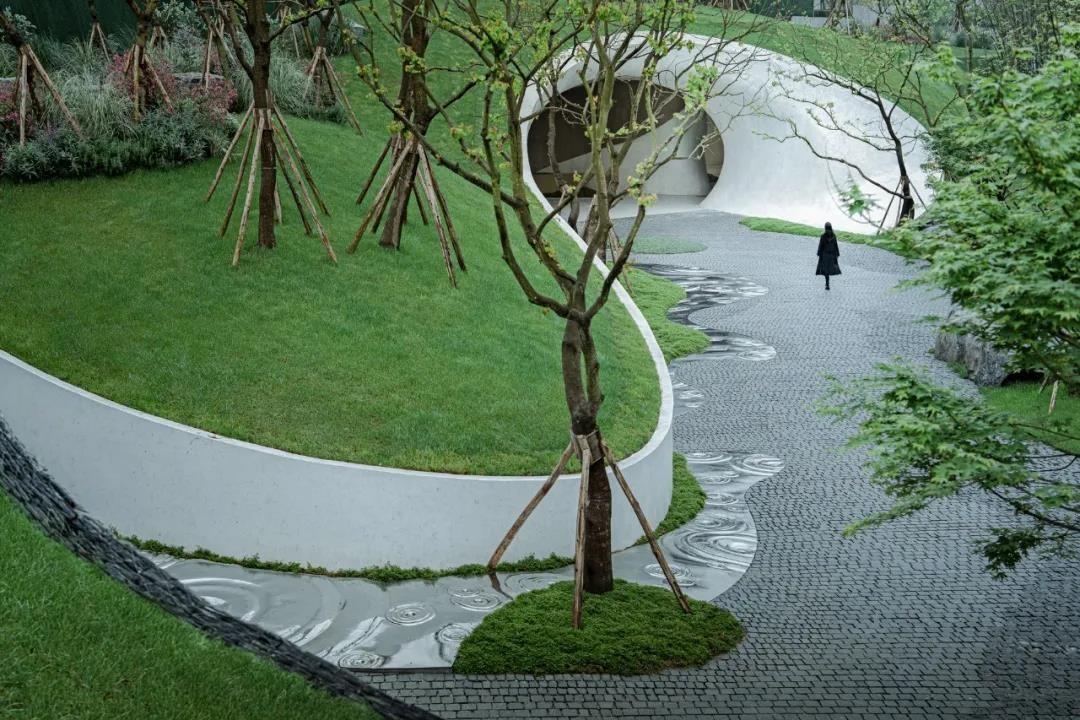 滨河公园绿化工程正加紧施工,曲水风和人居环境迎来新发展