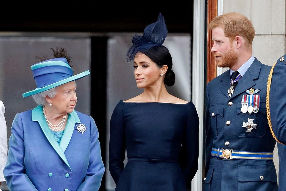 """女王发狠!连夜下令""""驱逐""""哈里梅根,祖孙关系彻底破裂?"""