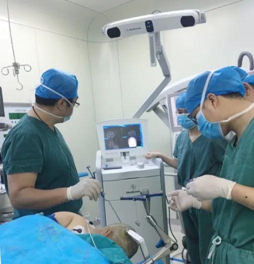 桂北首例:醒着也能做开颅手术!术中患者还唱起了歌