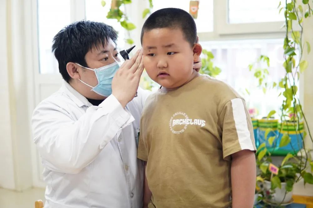 赤峰市宁城县中心医院走进宁城县直属机关第二幼儿园开展健康体检活动