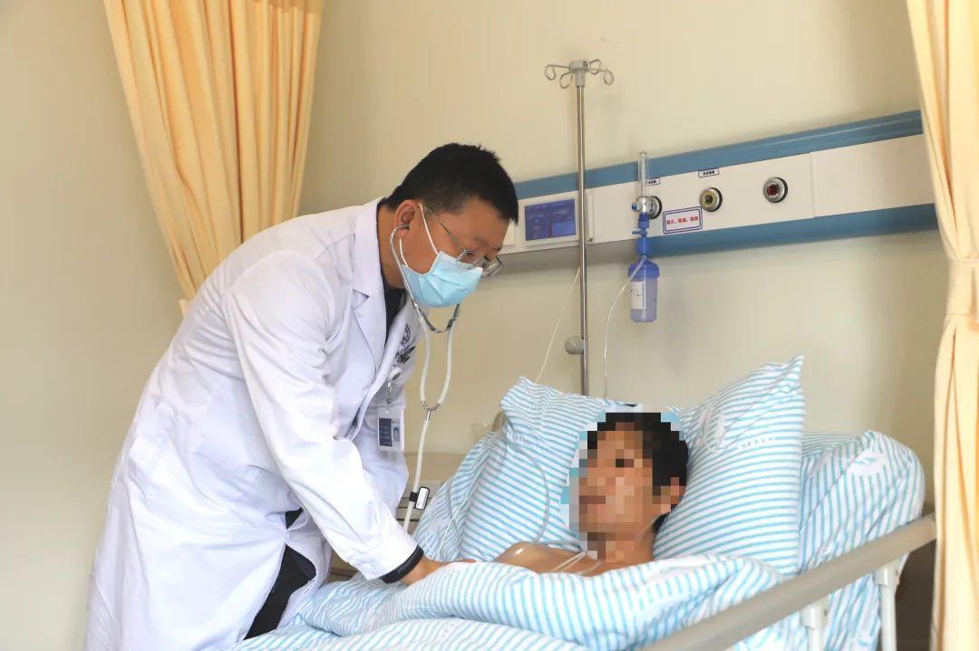 撑开生命通道!胸外科成功实施前海人寿广州总医院首例晚期食道癌食管支架植入术