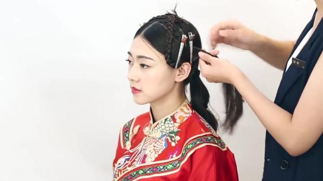 中式新娘秀禾服的盘发技巧,化妆师必须要学会的中式新娘盘发教程