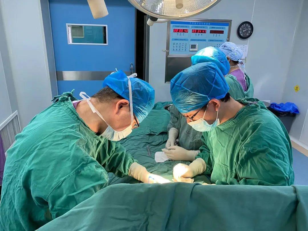 上海海华医院多学科协作成功救治「熊猫血」髋臼骨折患者