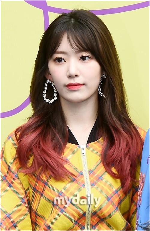韩国女团IZ*ONE成员宫胁咲良将签约防弹少年团的经纪公司BIGHIT娱乐。