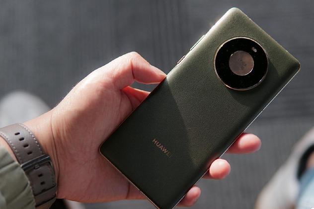 真实体验华为mate40pro VS iPhone12,究竟谁被吊打?
