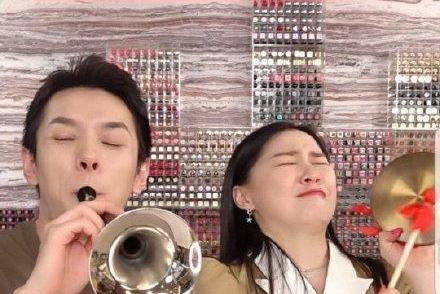 李佳琦删与金靖直播片段,粉丝看不到回放,却备受感动