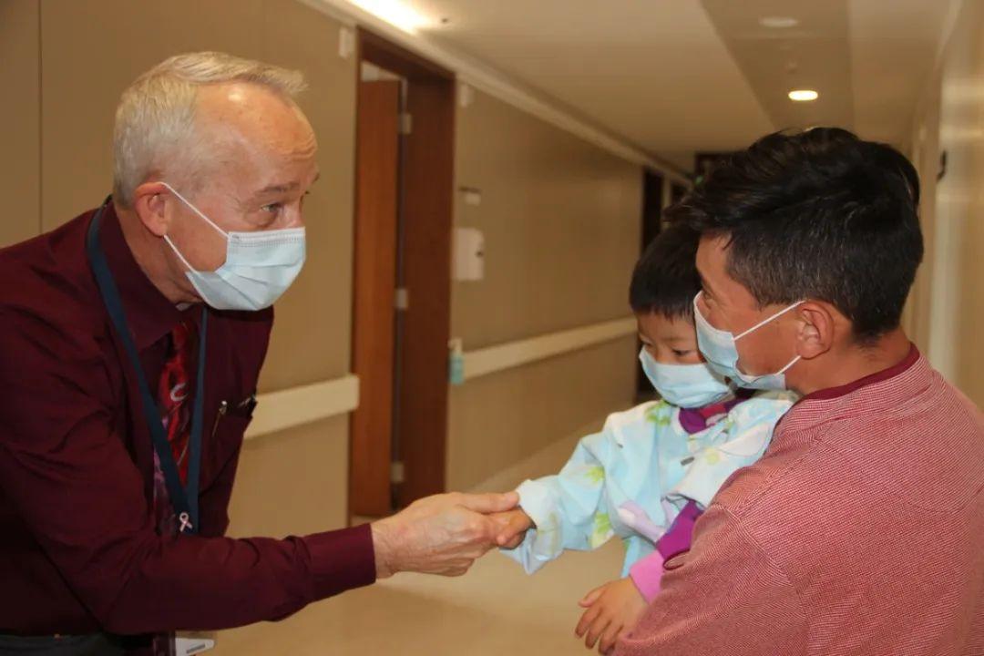 第二批 23 名藏族先心病患儿抵达上海德达医院接受免费救治