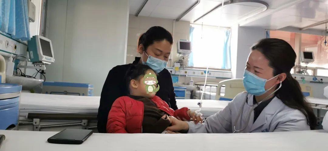 2 岁宝宝突然昏迷 登封女医生奋力抢救终脱险