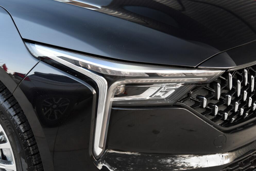 厚道的国产B级车上市,起步才9.99万,轴距2米8,实力不输迈腾