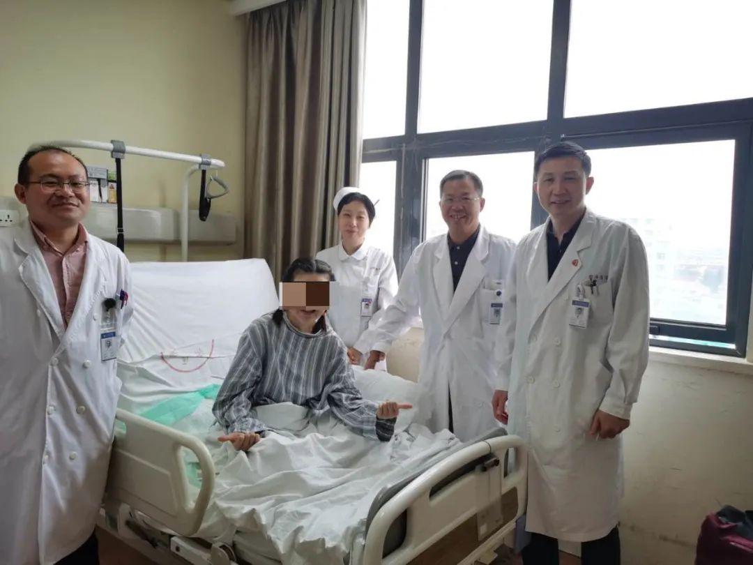 上海市同济医院重症医学科联合多学科救治车祸垂危外籍女子