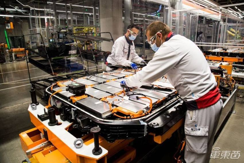 奥迪缺芯万人停工,大众减产10万台!芯片企业:这锅我不背