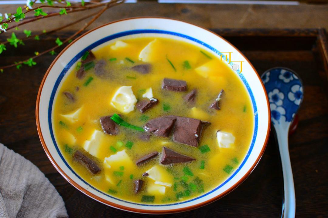 成本5元钱的鹅血豆腐汤最适合夏天,鲜美易消化,好吃看得见