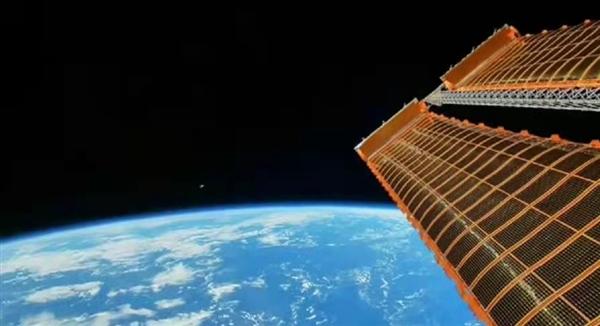 天悦登录年度最特殊赏月视角:中国空间站拍摄的中秋最亮月亮