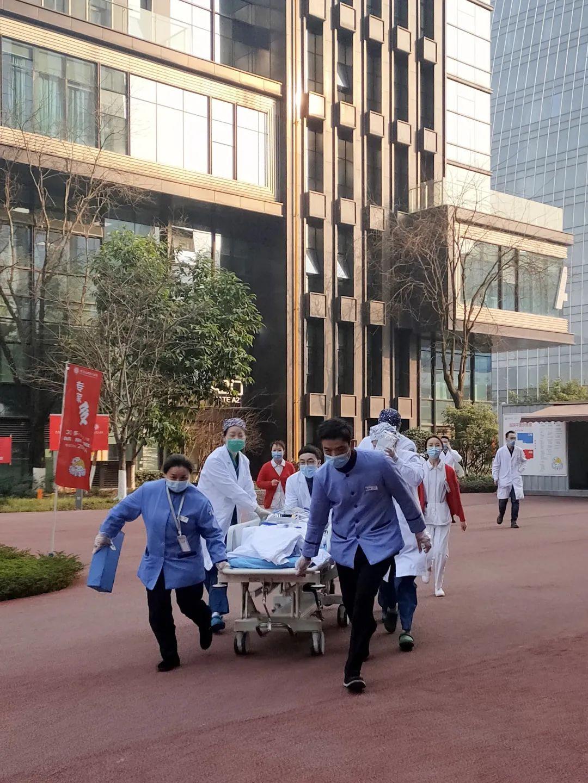 反复吐血一个多月,重庆北部宽仁医院抢救成功