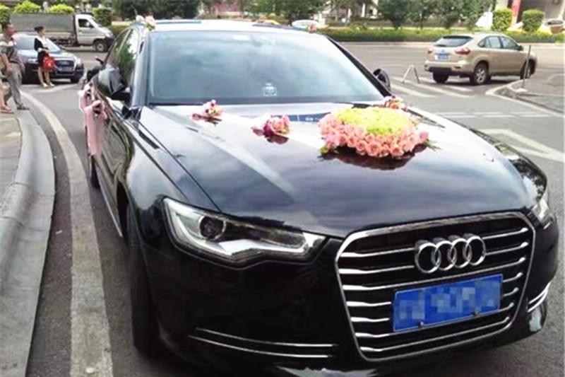 小伙把奥迪借给朋友结婚,还车时彻底懵了:你们在车里闹伴娘了?
