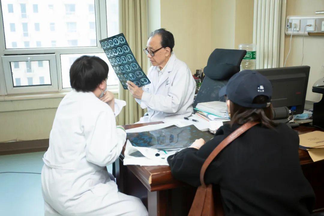 纪树荃教授:「大医精诚」的临床一线血液病专家