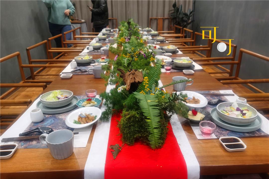 同学聚会,讲究美学的晚餐让人眼界大开,我是吃饱了呢还是没吃饱