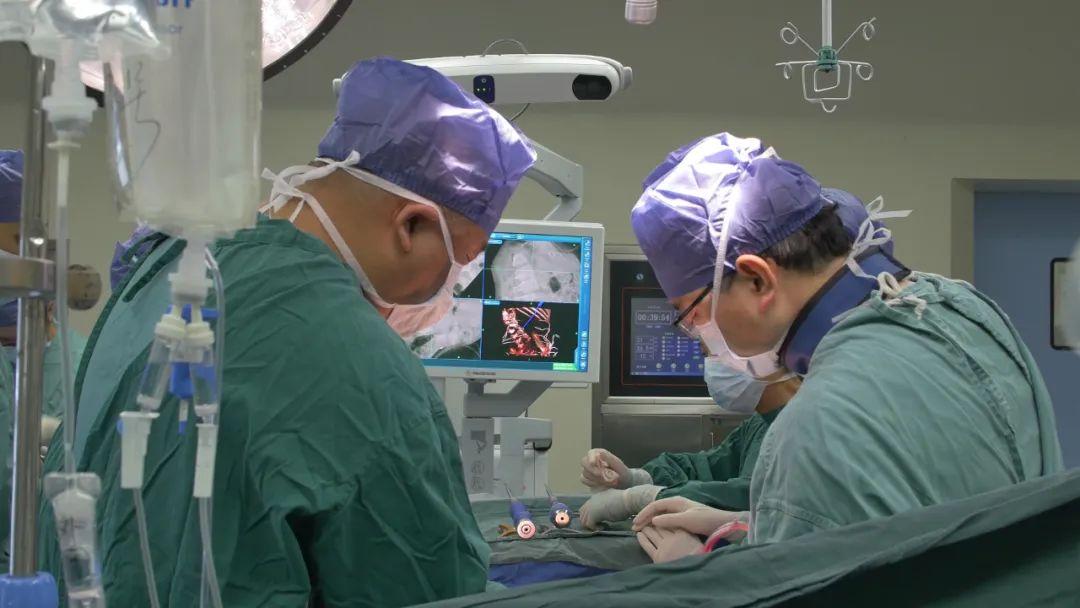 萧山中医院「先天性脊柱侧弯截骨矫形手术」帮助小女孩重挺脊梁