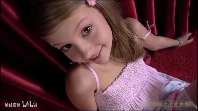 欧美小模特ValensiyaS的白丝体操服长裙写真剪辑1,时尚,风尚大片,好看视频