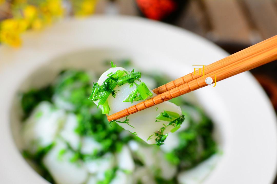 小茴香不要再包饺子,拿来炒年糕一样好吃,又香又清爽春天的味道