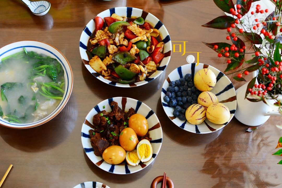 周末午餐,两菜一汤却都是硬菜,一家人简单生活,快乐安宁