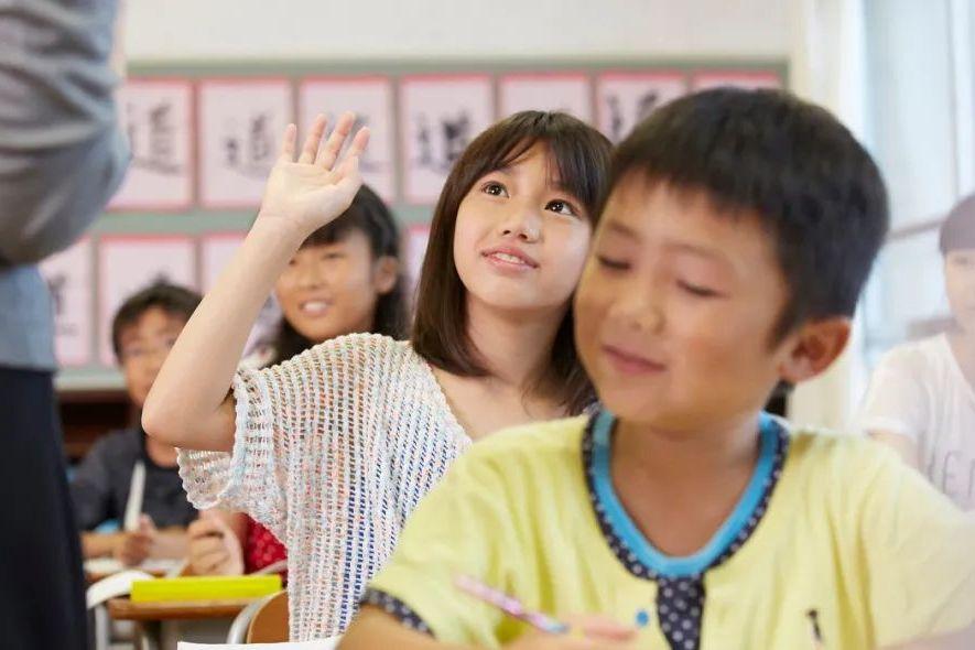 """小学改4年、高中改2年?官方辟谣""""缩短学制"""""""