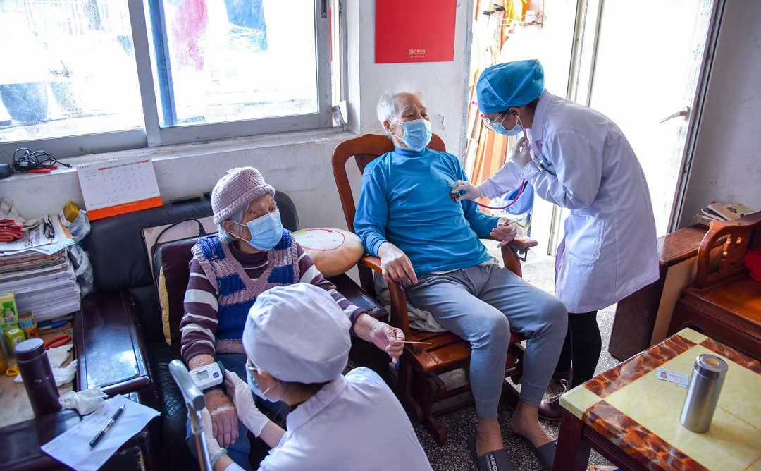 深圳市宝安中医院:中医全科服务进社区让群众乐享健康