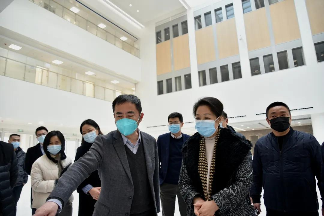 四川省卫健委领导赴成都京东方医院检查指导