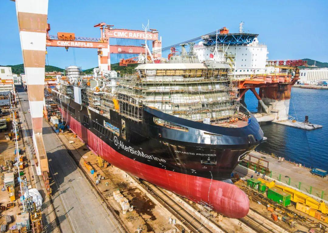 南极磷虾运输船