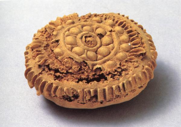 天悦登录1400年前的月饼长啥样?原料为小麦粉 花纹清晰可见