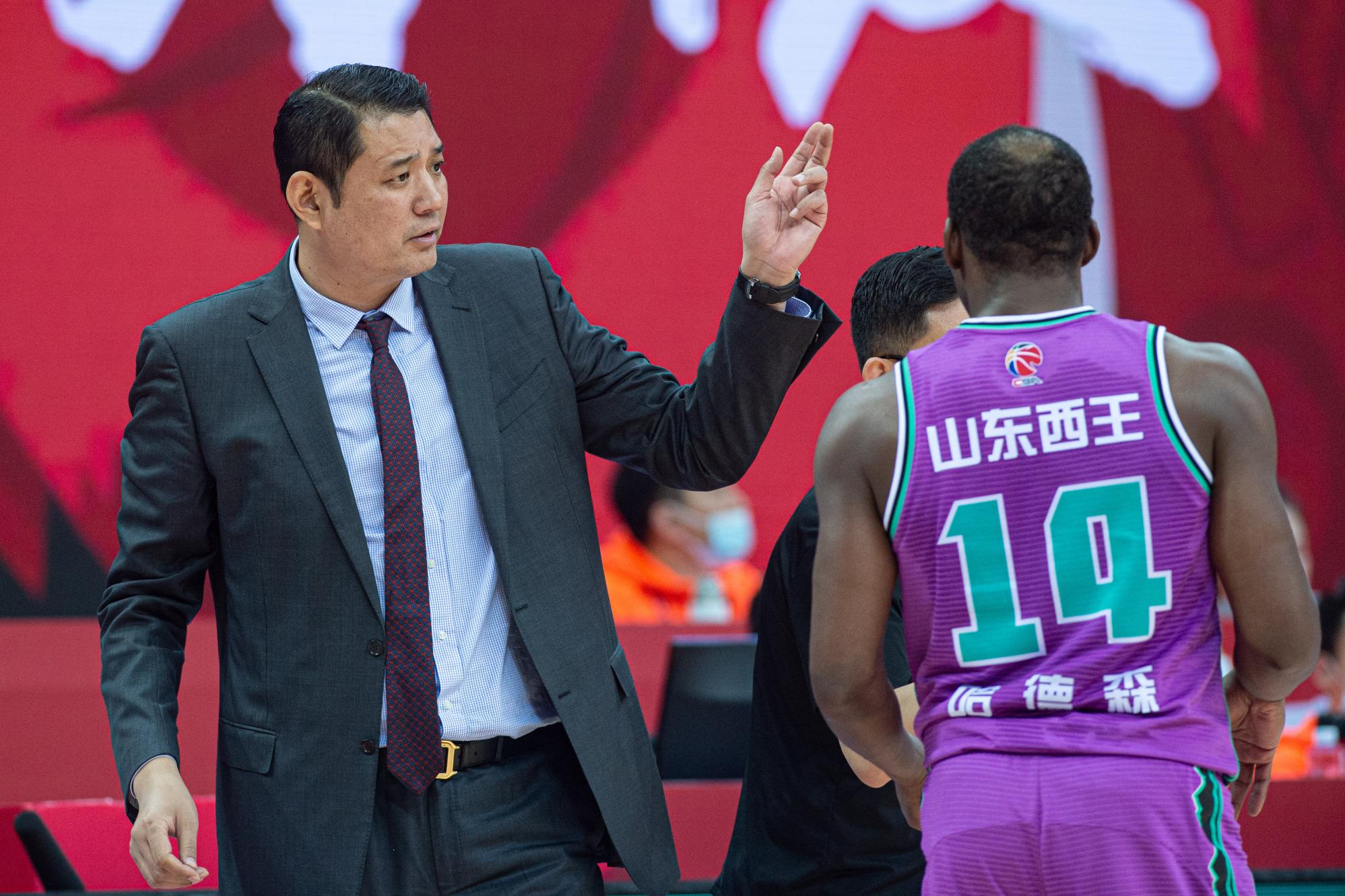 面对触底反弹的北京男篮,山东男篮在争胜同时要保护自己