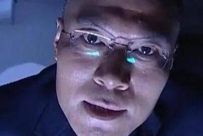 """比""""刘华强""""还狠,""""陈一龙""""凶暴的幕后,隐藏着赵恒煊的双面人生"""