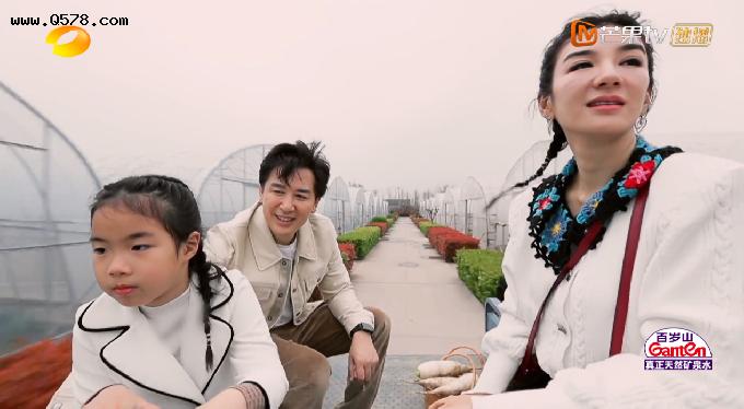 黄奕和老崔崔伟是什么关系是男女朋友情侣吗 黄奕和崔伟真的在一起了吗