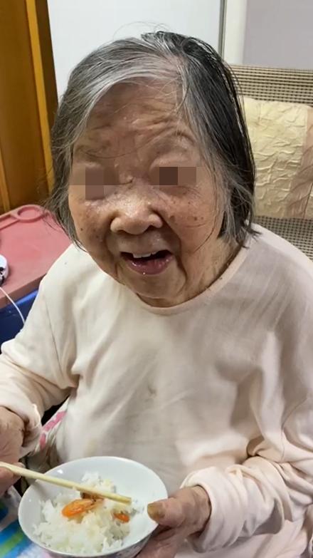 同济大学附属同济医院整形美容外科成功为一94岁高龄患者一期完成创伤救治及美容修复