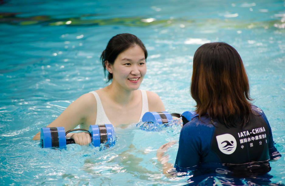 孕妈和宝妈,您有一封来自水中运动的盛夏邀请函