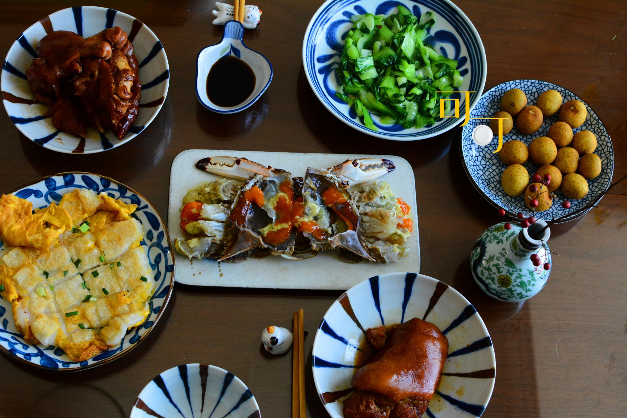 年三十的午饭简单几道菜,味道很好,晚上和公公婆婆一起吃年夜饭