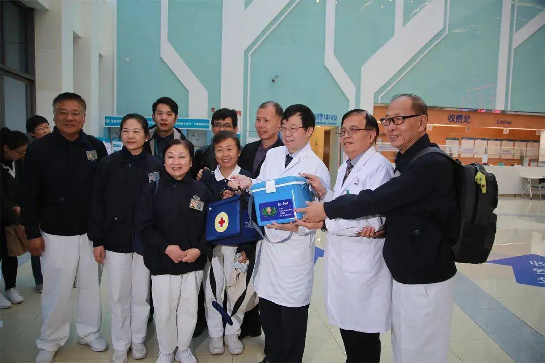 爱可穿越千里,上海公安叔叔为广东白血病孩子捐献造血干细胞