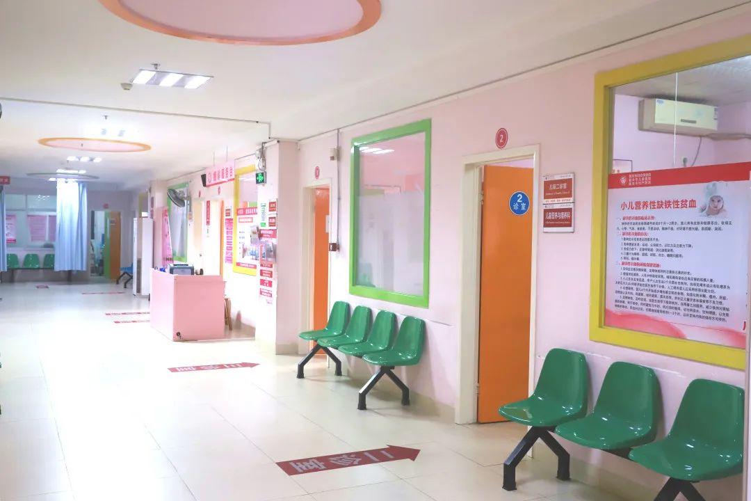韶关市妇幼保健院:宝宝腿纹不对称需警惕,髋关节筛查做起来