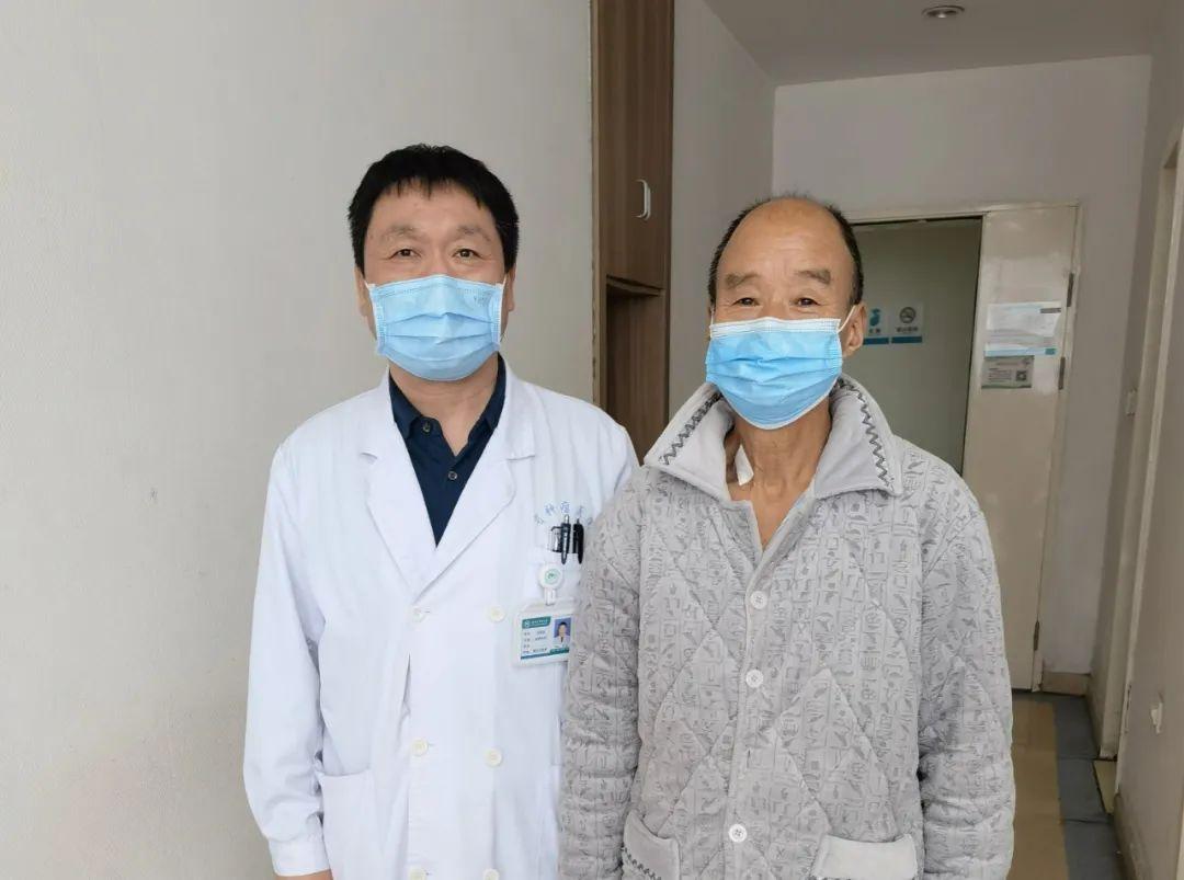 77 岁老人肾脏疯长 10 多个肿瘤,双肾险被全切