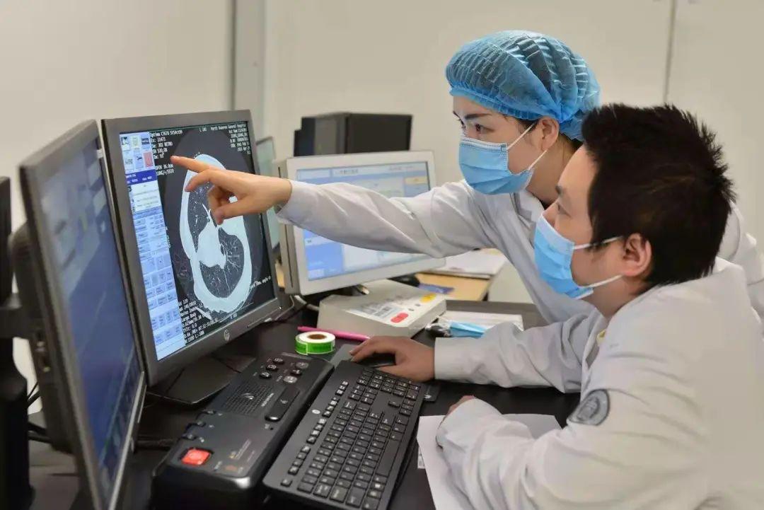 重庆北部宽仁医院多学科联合为 80 岁老人一次性切除 4 个肿瘤